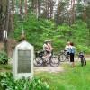 Przy pomniku walczących za Polskę
